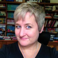 Headshot of author Amy Andrews