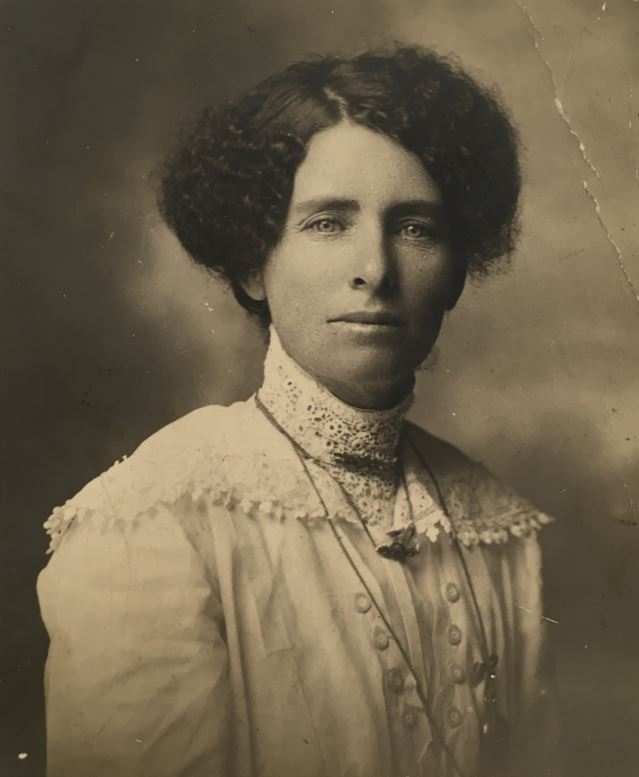 Photo of Ellen Humphreys (circa 1905).