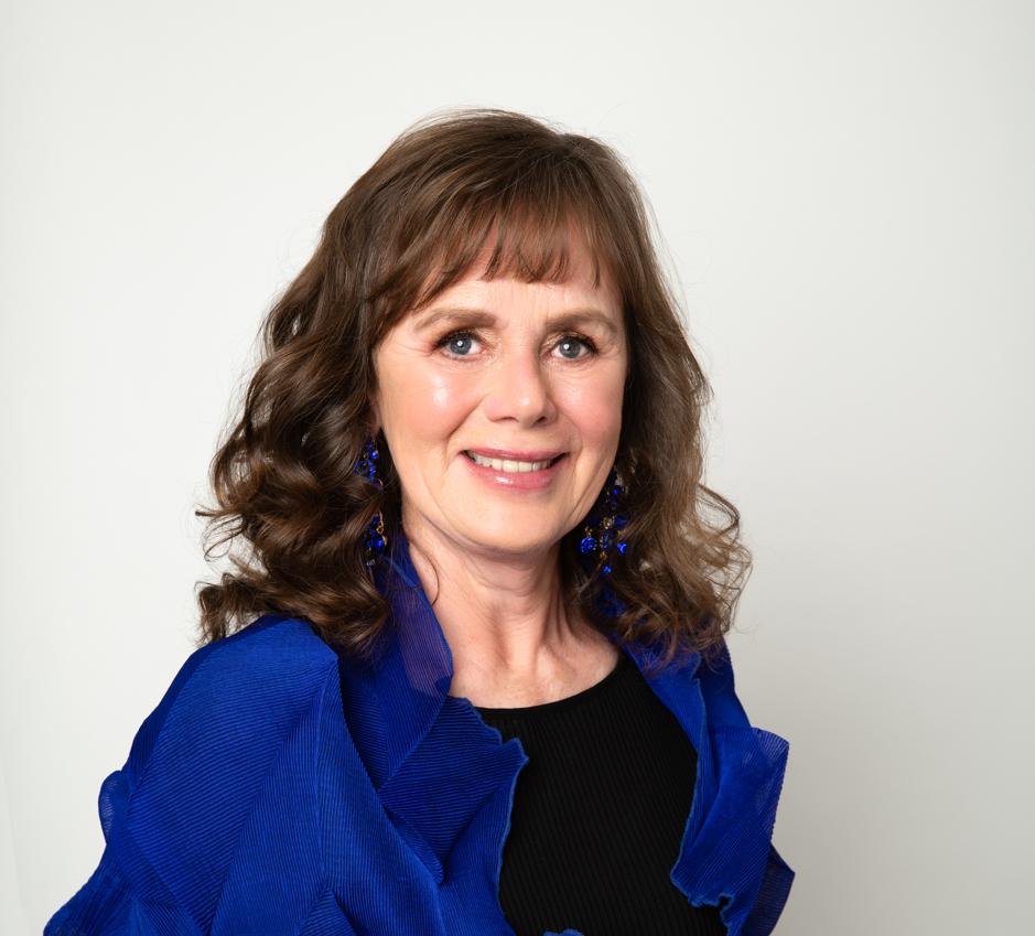 Head shot of author, Gabriella Kelly-Davies.